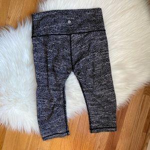 "Lululemon Cropped Leggings 16"" black and white"
